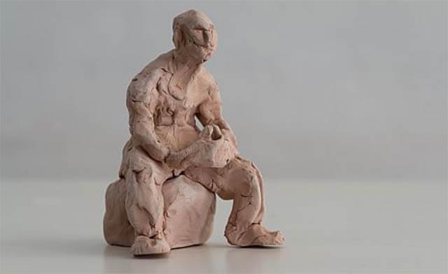 Boneco moldado em argila - Uma das técnicas propostas por Jung para indicar sintomas de uma doença psicossomática